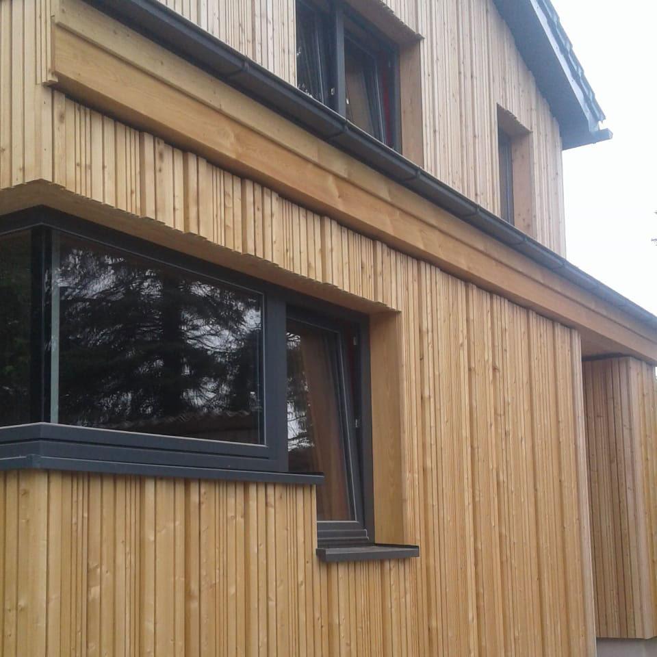 Fassadenbau in modernem Design am Architektenhaus in Thüringen